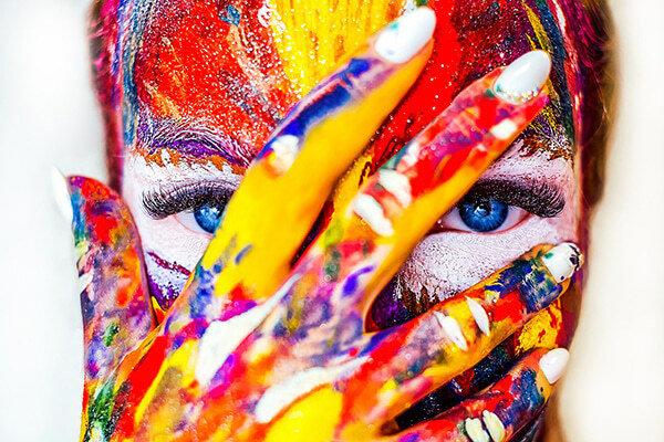 Fotografie pomalovaného obličeje zásady správného líčení