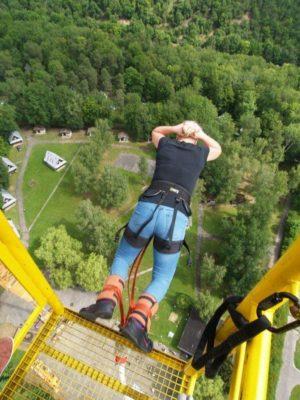 Bungee jumping z jeřábu ve dvou