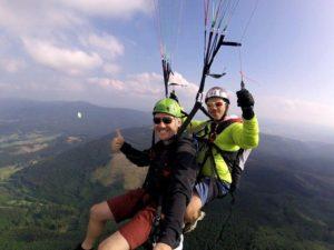 Tandemový paragliding – akrobatický let