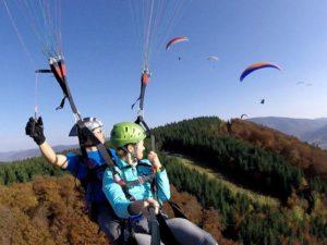 Tandemový paragliding – akrobatický let + videozáznam ZDARMA