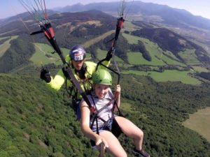 Tandemový paragliding – vyhlídkový let + videozáznam ZDARMA