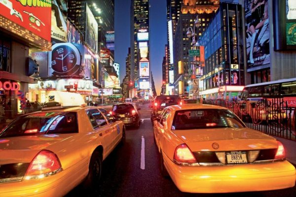 1Wall fototapeta New York Žluté taxíky 315x232 cm