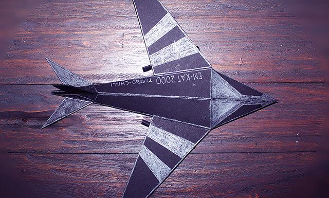 Fotografie:model letaadla z papíru