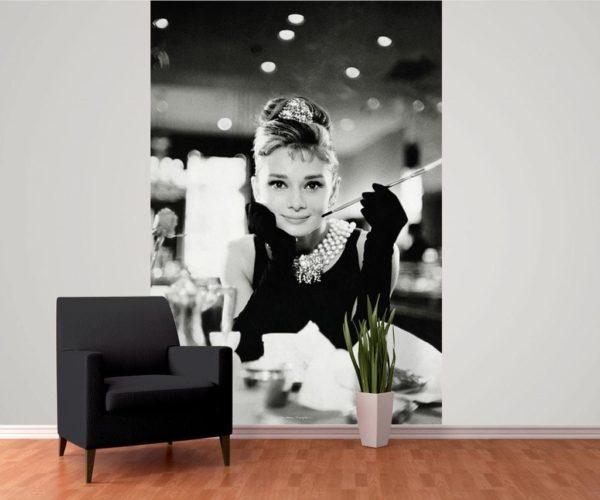 1Wall fototapeta Audrey Hepburn u Tiffanyho 158x232 cm