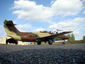 Let stíhačkou L-29 Delfín