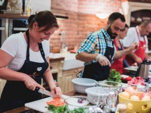 Gurmánský kurz vaření + láhev francouzského vína ZDARMA