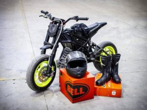 Jízda na elektrické motorce