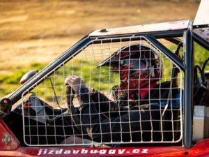 Jízda v buggy na závodním okruhu