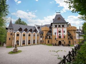 Pánská jízda na zámku Lužec – wellness a neomezená konzumace piva