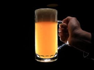 """Domácí degustace piva s pivovarem Zlatá Kráva – balíček """"Pivní klasika"""" + bedna 4 druhů piva"""